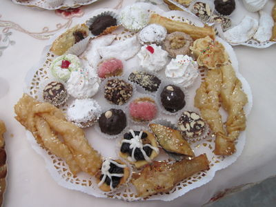 VARIETY Of marocain Cookies with shebakiya and Filo leaves with Ground almonds